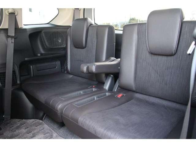 サードシートは、しっかり2名乗車可能です。