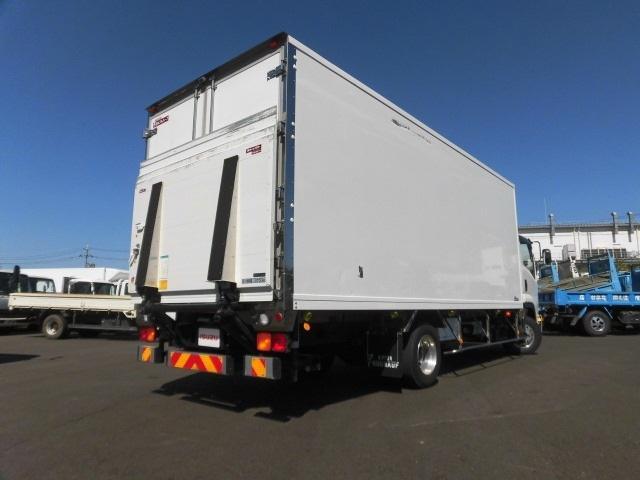 4tクラス ベッドレス 6MT 冷蔵冷凍車(2枚目)