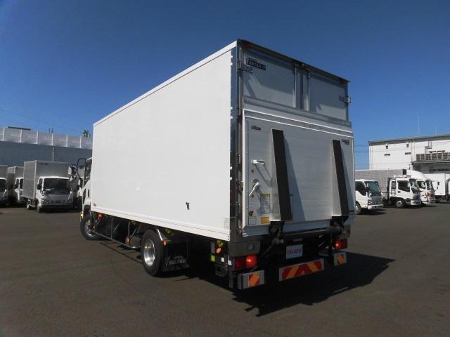 4tクラス ベッドレス 6MT 冷蔵冷凍車(6枚目)
