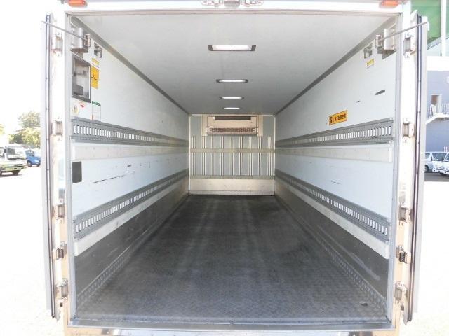 4tクラス ベッドレス 6MT 冷蔵冷凍車(14枚目)