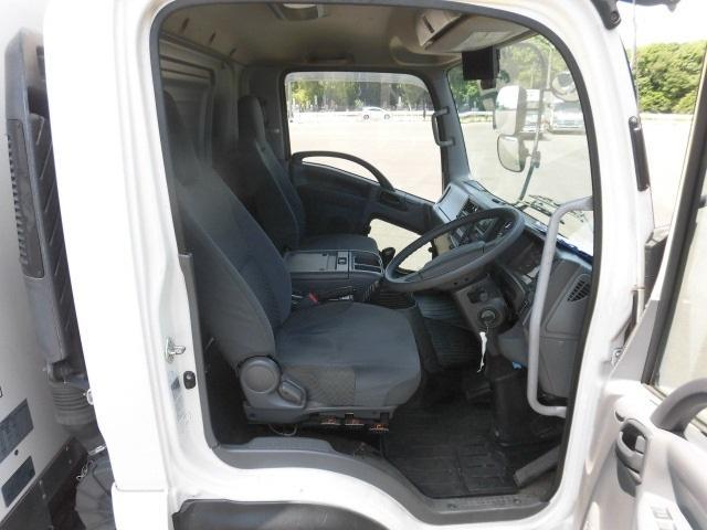 4tクラス 標準ベッドレス PG付 5900 冷蔵冷凍車(4枚目)