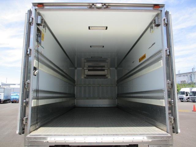 4tクラス 標準ベッドレス 冷蔵冷凍車(3枚目)