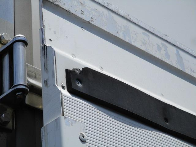 4tクラス 標準ベッドレス 冷蔵冷凍車(16枚目)