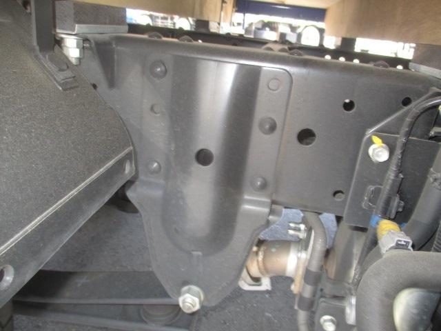 フルフラットロー 平ボディ・スムーサー・積載1.550kg・二重アオリ・アオリ穴3ヶ所・助手席側電格ミラー・キーレス・距離19.000km・取説・保証書・新普通免許対応車(11枚目)