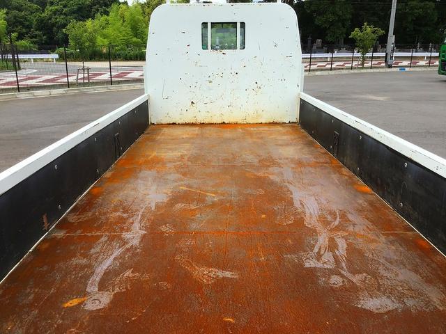 平ボディ・木製3方開・積載1.800kg・床鉄板張・鳥居鉄板張・極東開発製垂直ゲート(800kg)・助手席側電格ミラー・キーレス・距離35.000km・5MT・取説・保証書(11枚目)