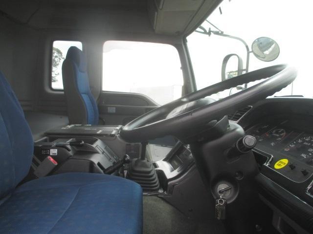トラクタ SOHSHIN製カプラ・第五輪荷重11.500kg・ハイルーフ・助手席側電格ミラー・キーレス・距離362.000km・7MT(15枚目)