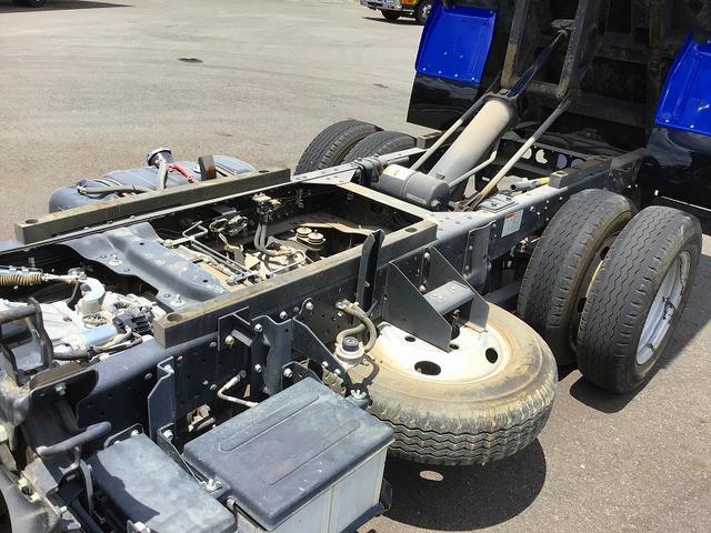 フルフラットロー ダンプ・6MT・新明和製強化3方開・積載3.000kg・助手席側電格ミラー・距離29.000km・取説・保証書(8枚目)