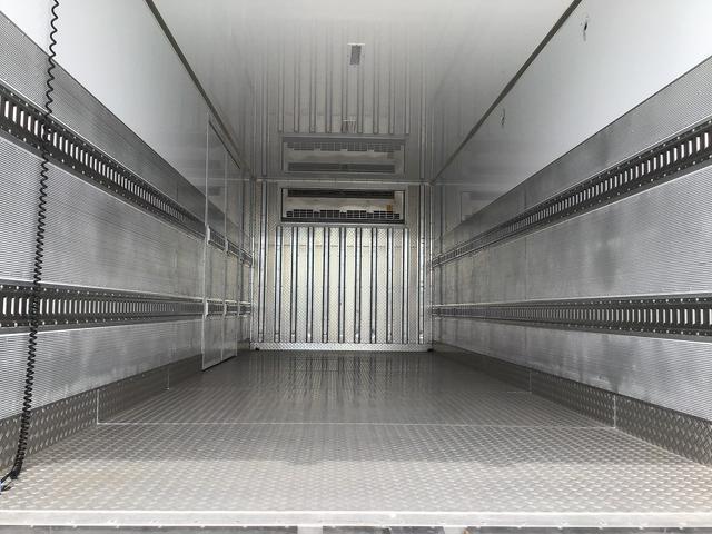 冷蔵冷凍車 6MT・東プレ製低温-30℃設定・積載2.300kg・助手席側観音扉・ラッシング2段・スタンバイ付・リア観音扉・極東開発工業製格納パワーゲート(1.000kg)・距離41.000km(10枚目)