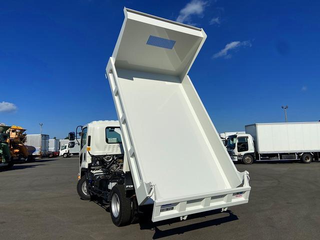 ダンプ 6MT・新明和強化1方開・積載3.750kg・助手席側電格ミラー・距離14.000km・取説・保証書(5枚目)