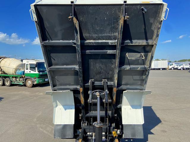 ダンプ 6MT・新明和強化1方開・積載3.750kg・助手席側電格ミラー・距離14.000km・取説・保証書(12枚目)