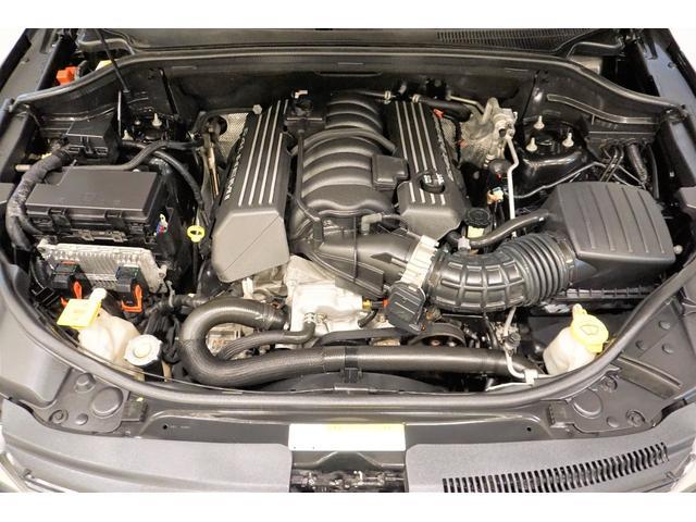 SRT8 ブラック専用シート・サンルーフ・HDDナビ・フルセグ・フロントサイドリアカメラ・パドルシフト(19枚目)