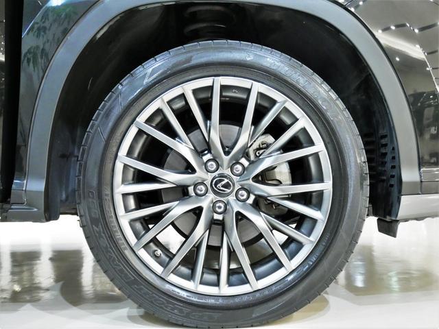 RX200t Fスポーツ 4WD ターボ Rセーフティ 三眼LED サンルーフ 黒革 シートヒーターベンチレーション Rクルコン ステアリングヒーター 純正ナビ フルTV ブルーレイ再生 バックサイドカメラ デフロック ETC(24枚目)