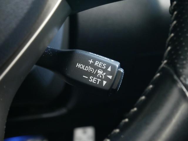RX200t Fスポーツ 4WD ターボ Rセーフティ 三眼LED サンルーフ 黒革 シートヒーターベンチレーション Rクルコン ステアリングヒーター 純正ナビ フルTV ブルーレイ再生 バックサイドカメラ デフロック ETC(29枚目)