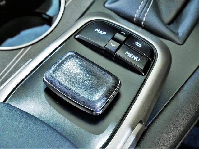 RX200t Fスポーツ 4WD ターボ Rセーフティ 三眼LED サンルーフ 黒革 シートヒーターベンチレーション Rクルコン ステアリングヒーター 純正ナビ フルTV ブルーレイ再生 バックサイドカメラ デフロック ETC(32枚目)