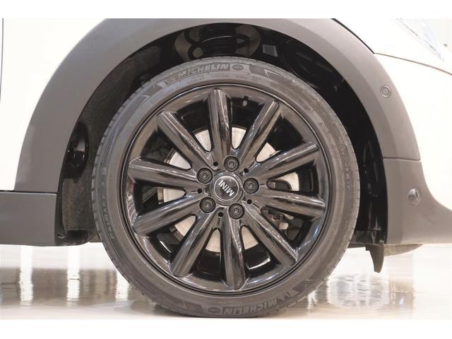 クーパーS 6速マニュアル インタークーラーターボ ワンオーナー レーダークルコン 衝突軽減ブレーキ ワンオフマフラー 純正マフラー有 スマートキー プッシュスタート 純正17AW 純正ナビ Bluetooth(26枚目)