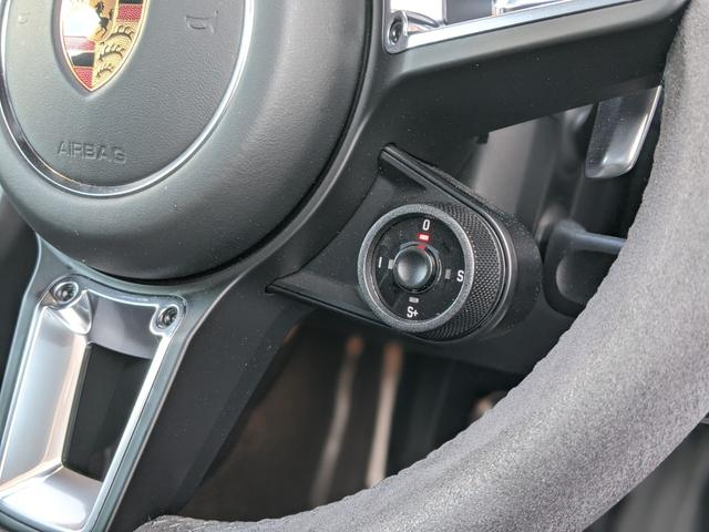 911カレラGTS スポーツクロノ スポーツエグゾースト カーボンインテリア(17枚目)