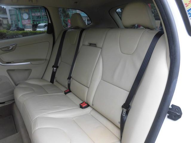 「ボルボ」「XC60」「SUV・クロカン」「千葉県」の中古車32