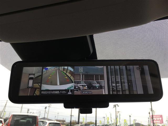【アラウンドビュー】上から見ているような視線でt周囲の状況を知ることができますので、駐車の苦手な方でも安心して駐車していただけます。