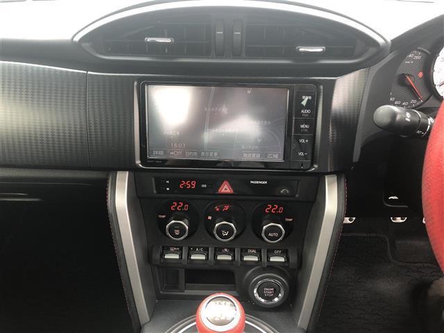 GT 6MT/純正ナビ(CD/フルセグTV/Bluetooth)/バックカメラ/ETC/純正17インチAW/オートライト/フォグランプ/プッシュスタート/スマートキー/純正フロアマット(15枚目)