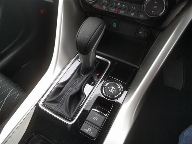 G 4WD 登録済未使用車 サンルーフ クルコン iストップ(6枚目)