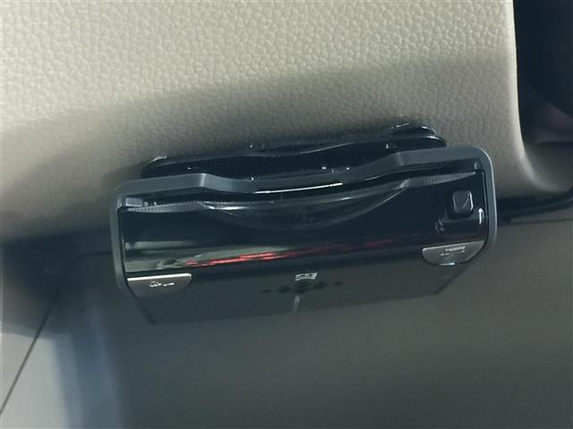 G・Lパッケージ 社外SDナビ(CD・DVD・Bluetooth・フルセグTV)/バックカメラ/ステアスイッチ/ETC/純正キセノンライト/純正フロアマット/ドアバイザー/プッシュスタート/横滑り防止装置(11枚目)
