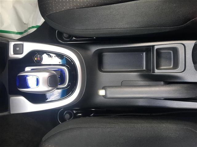 Fパッケージ 4WD 純正メモリナビ ワンセグ ETC(8枚目)