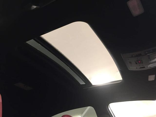 200t Fスポーツ三眼LED サンルーフ パワーバックドア(7枚目)