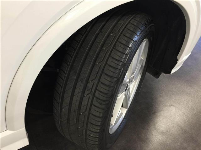 「アウディ」「アウディ Q2」「SUV・クロカン」「静岡県」の中古車73