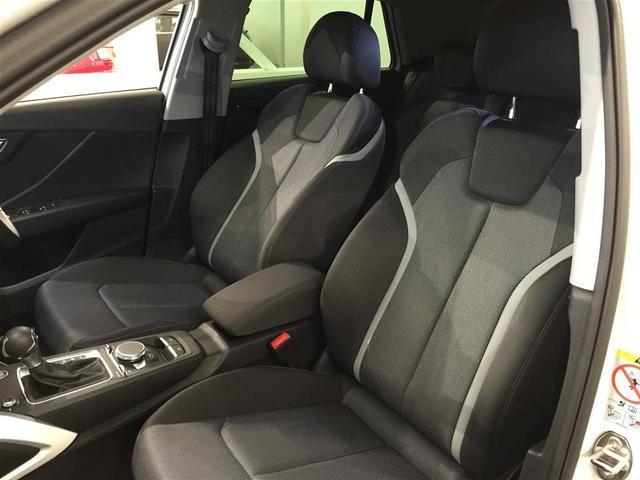 「アウディ」「アウディ Q2」「SUV・クロカン」「静岡県」の中古車74