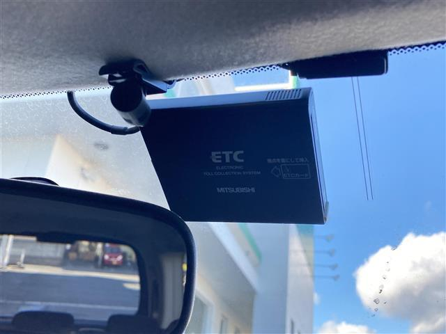 G Eセレクション /ワンオーナー/社外メモリナビ/フルセグ/CD/DVD/BT/ETC/アイドリングストップ/両側パワースライドドア/電動格納ミラー/横滑り防止機能/取扱説明書/保証書(6枚目)