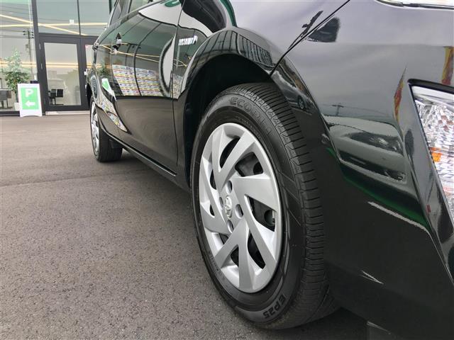 トヨタ アクア G ブラックソフトレザーセレ 本革シート