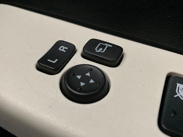 S 衝突被害軽減 横滑り防止装置 メモリナビ アイドリングストップ ETC 運転席シートヒーター ヘッドライトレベライザー リモコンキー 電動格納ミラー パワーウインドウ ISOFIX バニティミラー(34枚目)