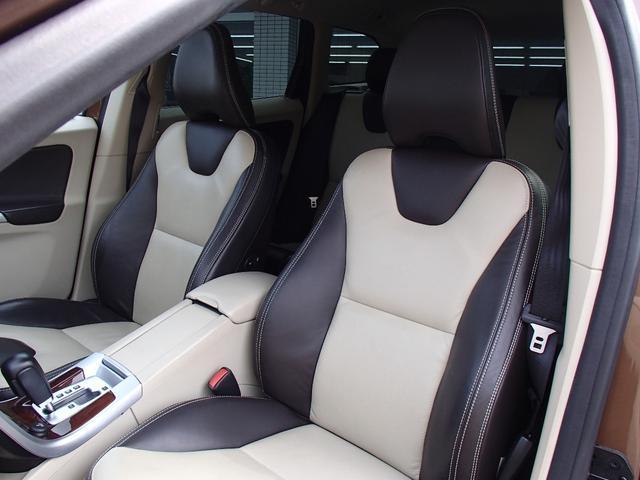 ボルボ ボルボ XC60 T6 SE AWD 1年保証 純正OP19AW ツートン革