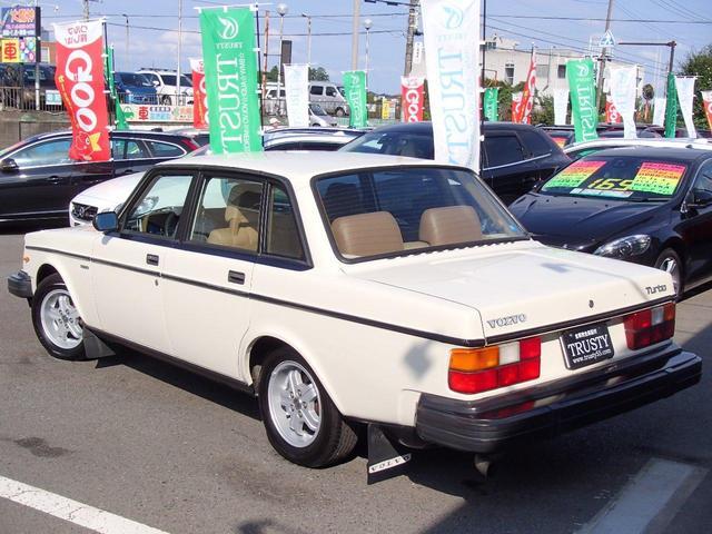 ボルボ ボルボ 240 ターボ 帝人ボルボ ディーラー車 左H 茶革 82年モデル