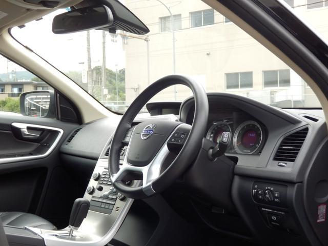 ボルボ ボルボ XC60 T6 SE 1オーナー 10yモデル パノラマSR 黒革