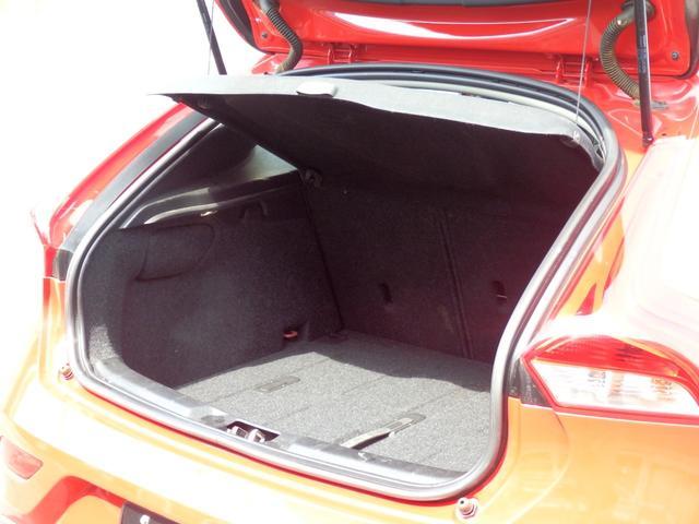 D4SE 1オナ 8AT 黒革 インテリセーフ 自動縦列駐車(16枚目)