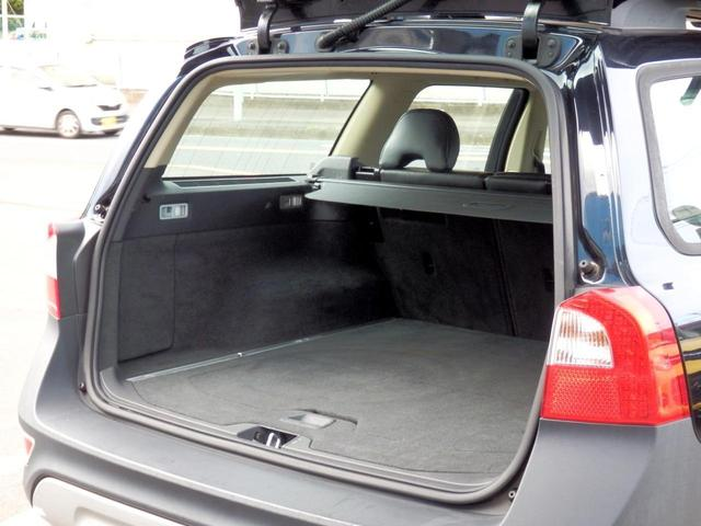 3.2SE AWD 1オーナー 黒革 ルーフBOX キセノン(18枚目)