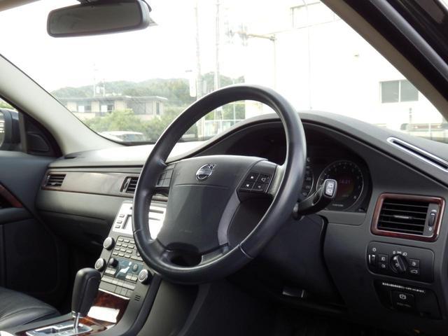 3.2SE AWD 1オーナー 黒革 ルーフBOX キセノン(20枚目)