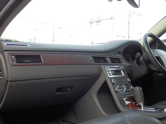 3.2SE AWD 1オーナー 黒革 ルーフBOX キセノン(25枚目)