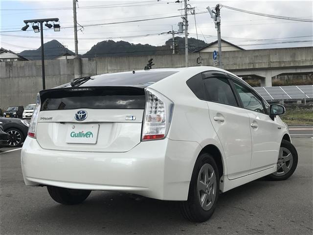 「トヨタ」「プリウス」「セダン」「佐賀県」の中古車11