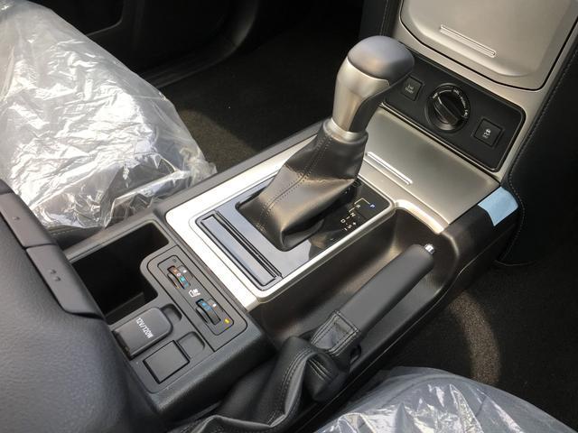 TXLパッケージ 4WD 登録済未使用車 寒冷地仕様 SR(17枚目)