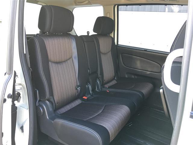 【セカンドシート】使用感も少なくキレイな状態です!大人でも快適に乗って頂けます♪』