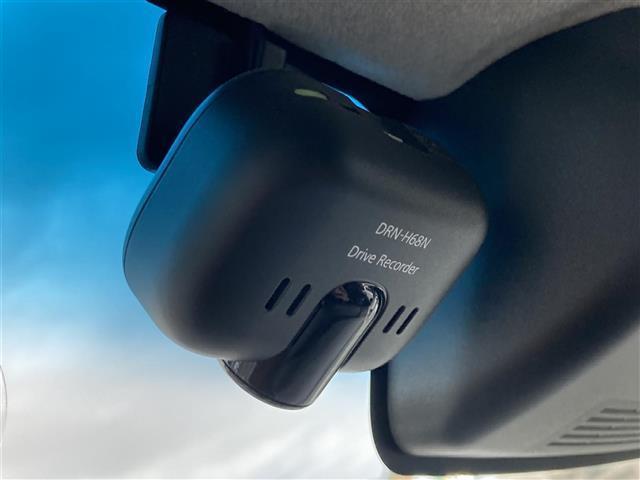 カスタムRS トップエディションSAIII 衝突軽減ブレーキ 純正9インチメモリナビ フルセグTV 全方位カメラ 両側パワースライドドア ETC スマートキー ハーフレザーシート シートヒーター ドラレコ LEDヘッドライト コーナーセンサー(5枚目)