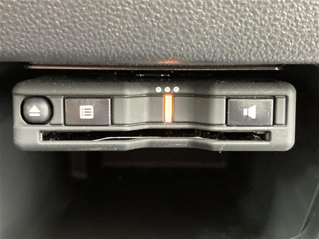カスタムRS トップエディションSAIII 衝突軽減ブレーキ 純正9インチメモリナビ フルセグTV 全方位カメラ 両側パワースライドドア ETC スマートキー ハーフレザーシート シートヒーター ドラレコ LEDヘッドライト コーナーセンサー(7枚目)