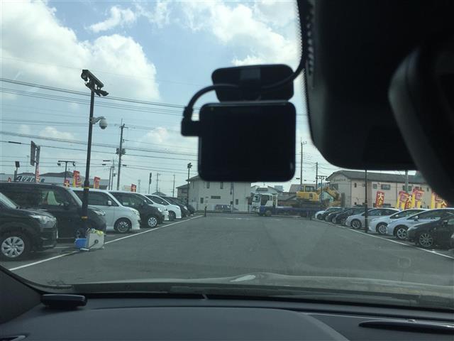【ドライブレコーダー】つき!運転中の記録を残し、万が一の事故や煽り運転に備えられます!