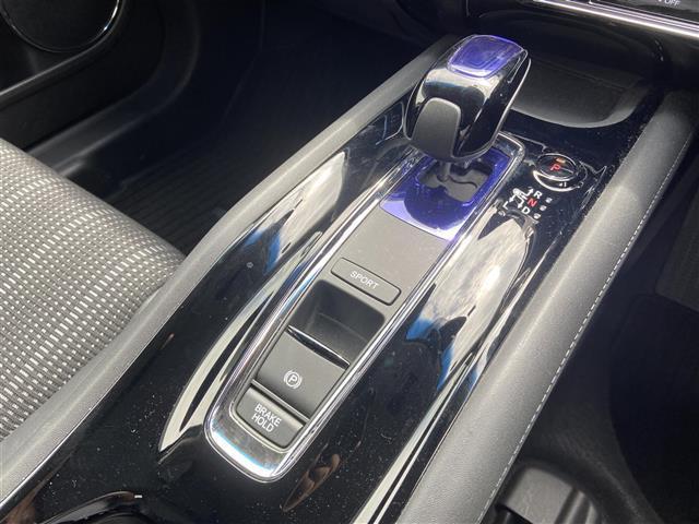 ハイブリッドZ ワンオーナー・社外SDナビ・CD/DVD/Blueooth・フルセグTV・バックカメラ・衝突軽減ブレーキ・クルーズコントロール・シートヒーター・LEDライト・オートライト・ETC・純正ホイール(9枚目)