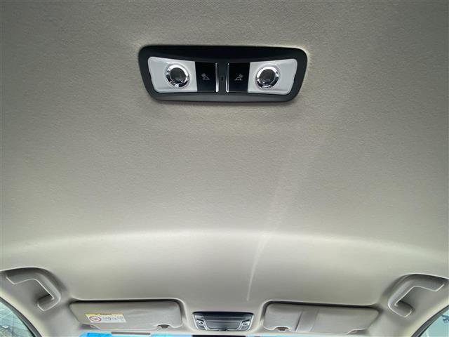 ハイブリッドZ ワンオーナー・社外SDナビ・CD/DVD/Blueooth・フルセグTV・バックカメラ・衝突軽減ブレーキ・クルーズコントロール・シートヒーター・LEDライト・オートライト・ETC・純正ホイール(16枚目)
