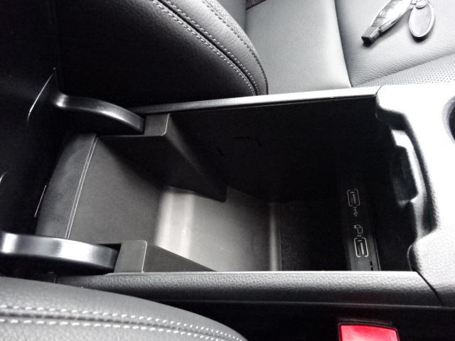 セットでお得実質年率2.9%得々パック!憧れの車が半額ゴジュッパ!新規導入車検パック!下取10万も!エクスクルーシブPKGパドルシフトLEDヘッドライト黒革ウィンカーミラー専用ナビBカメラ