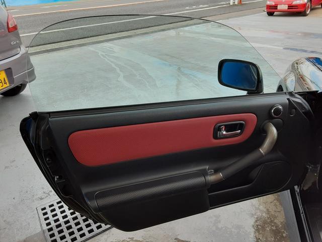 Vエディションファイナルバージョン 6速シーケンシャル エアロ 専用赤革シート Rays16&17インチアルミホイール 柿本マフラー トヨタ純正HDDナビ VVTi アルミペダル 赤革コンビハンドル ステアシフト オープントップ(47枚目)