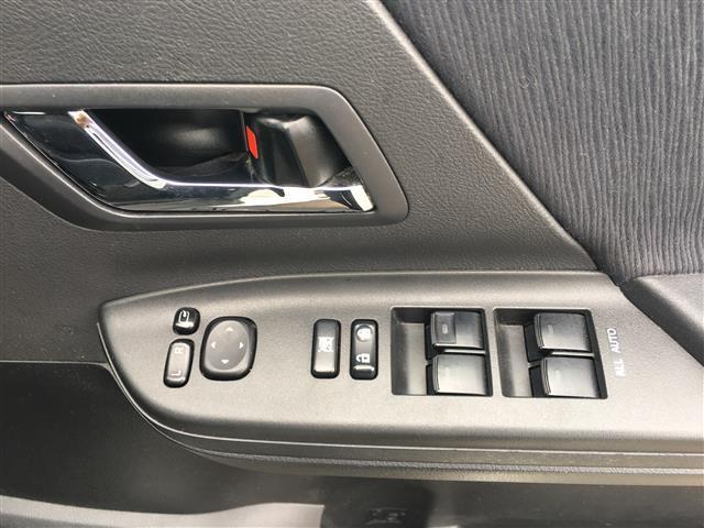 2.4Z ストラーダHDDナビ バックカメラ ビルトインETC 両側パワースライドドア パーキングアシスト 前後コーナーセンサー プッシュスタート 横滑り防止装置 オートライト ウッド調パネル 電動格納ミラー(19枚目)